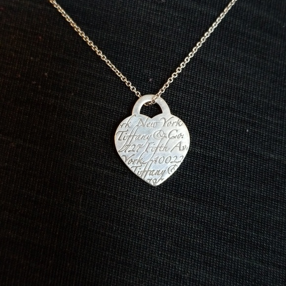 8d5d90bdb0234 Tiffany & Co 5th Ave Notes Heart Necklace